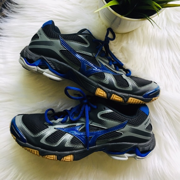 22263c56c40b Mizuno Shoes | Wave Bolt 5 Womens Volleyball 85 | Poshmark